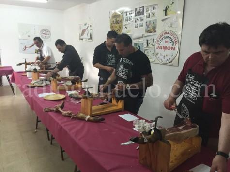 Alumnos de la Academia de Cortadores de Jamón de Guijuelo.
