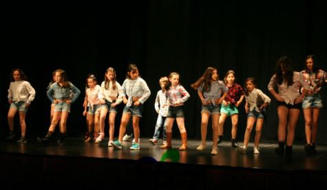 Alumnos de la escuela de baile. Foto Centro Cultural