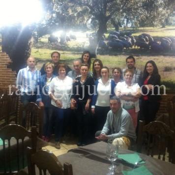 Representantes de Ascogui junto con respresentación del Ayuntamiento de Guijuelo.