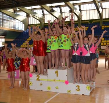 Tercer puesto de la gimnastas de Guijuelo. Foto salamancartv
