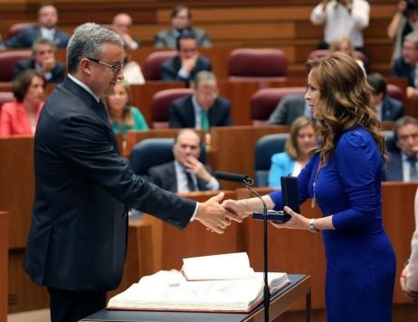 Julián Ramos junto a la presidenta de las Cortes de Castilla y León Silvia Clemente. Foto PP Castilla y León.
