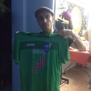 Fito Cabrales con la camiseta del C.D. Guijuelo.