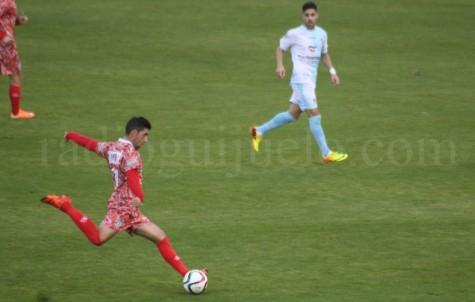 Carlos Ramos autor del gol en San Lázaro.