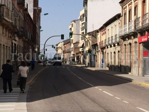 Vista de la calle Filiberto Villalobos de Guijuelo.