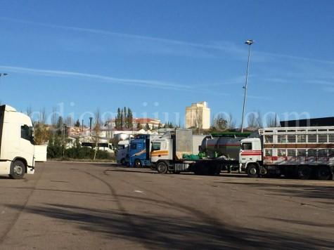 Camiones en el  Centro de Transportes de Guijuelo.