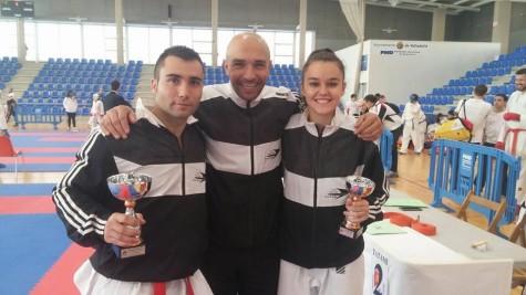 Kike Nieto y Rebeca Rodríguez junto a su entrenador Juan Zaballos.