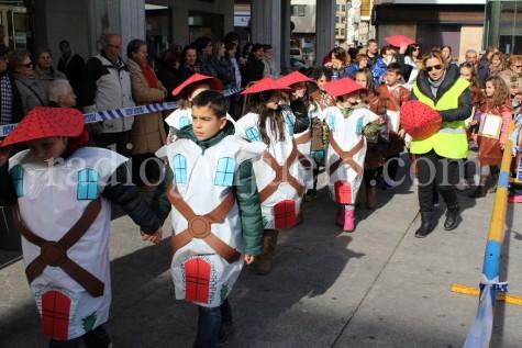 Alumnos del Miguel de Cervantes en el desfile de Carnaval.