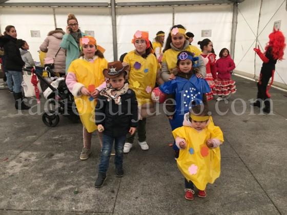 Niños participantes en el taller de Carnaval.