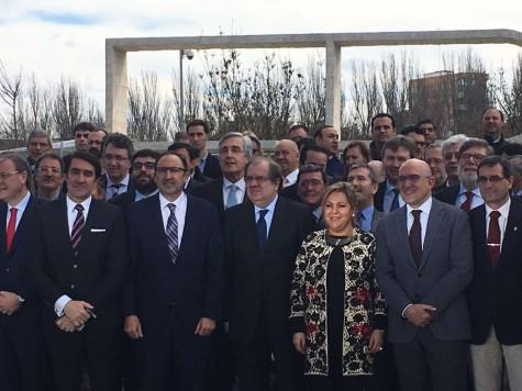 El concejal Ángel Picado posando en la firma del Plan de Empleo Local en Valladolid