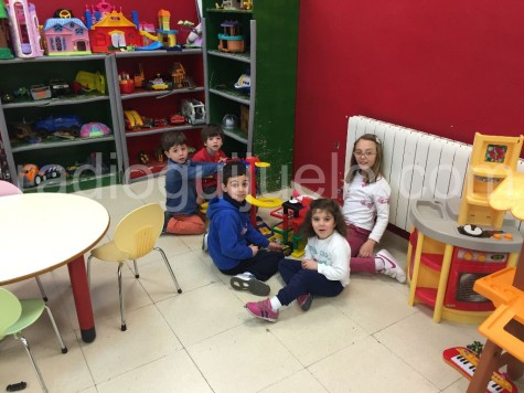Niños en la Ludoteca Municipal.