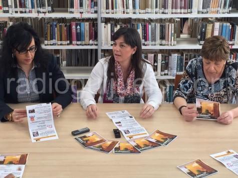 La concejal de Cultura en la Biblioteca de Guijuelo. Foto archivo.
