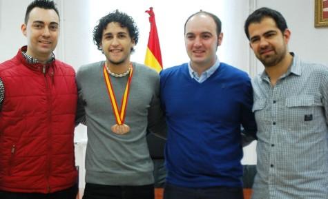 Antonio Miguel Sausa, Carlos Arasa Pérez, David Alejandro y Fernando Gómez, durante la firma del convenio.