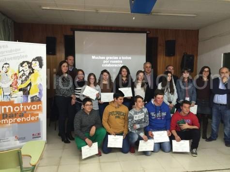 Foto de familia de ganadores  y responsables del concursos Ideas Empresariales.