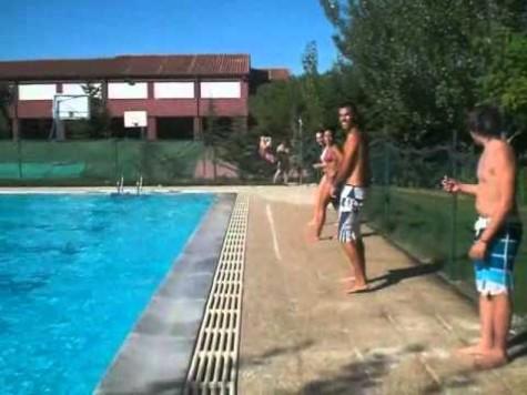 Piscina de Sorihuela. Foto youtube.