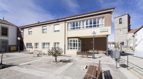 Residencia de Ledrada. Foto clecemayores.com.