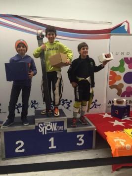 Juan Matas primero en el podium. Foto club deportivo La Covatilla.