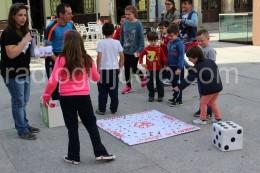 Juegos infantiles organizados por Cáritas.