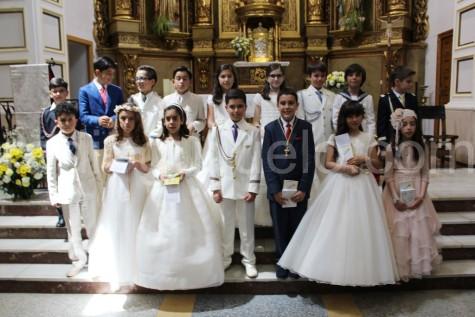 Niños y niñas de Comunión en Guijuelo.
