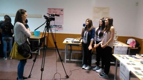 Ganadoras del segundo premio del concurso Investigando la Química. Foto IES Vía de la Plata