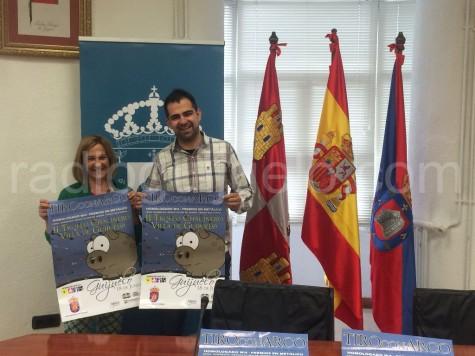 Mº Luisa Peláez y Carlos Arasa en la presentación del II Trofeo Villa de Guijuelo de tiro con arco.