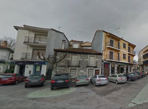 Plaza de España de Linares frente  al Ayuntamiento. Foto Google Maps.