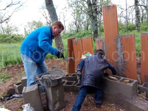 Voluntarios colaborando en el proyecto de Eisa Merino
