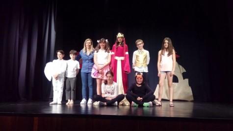 El grupo de teatro Guijuteatreros despidió el curso en el día de ayer.