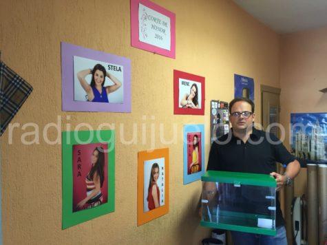 Fran Sánchez con la urna de votaciones.