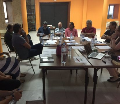 Charla informativa de ADRISS en Linares. Foto ADRISS.