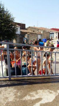Niños en Fuentes de Béjar. Foto archivo