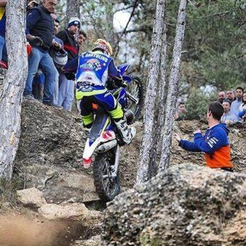 Lorenzo Santolino durante una prueba del Mundial de Enduro. Foto L.S.