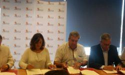 Momento de la firma de Junta y grupos de acción local. foto: Adrecag