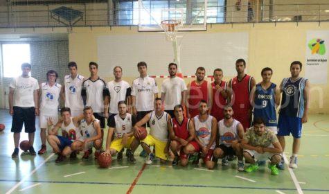 Participantes en el torneo de verano de baloncesto.