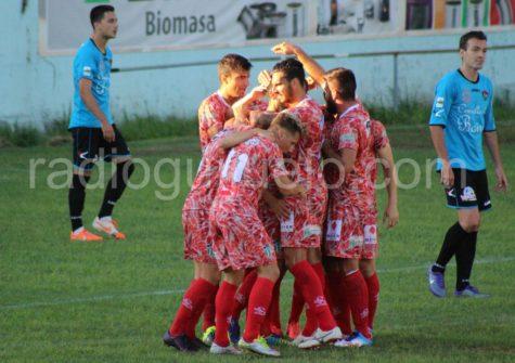 Celebración de un gol del CD Guijuelo