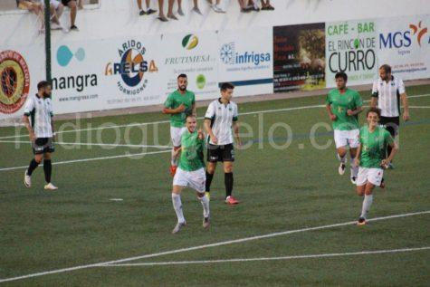 Celebración del gol de Raúl Ruiz.