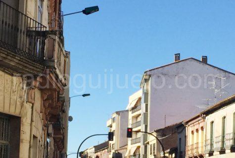 Farolas en la calle Filiberto Villalobos