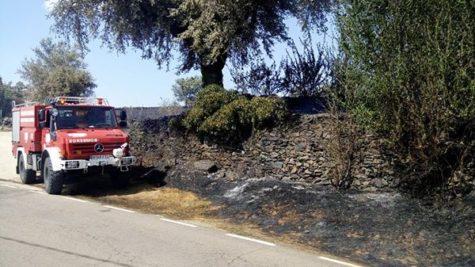 Los voluntarios del parque de bomberos de Guijuelo participaron en las labores de extinción del incendio en Escurial de la Sierra. Foto Bomberos Guijuelo