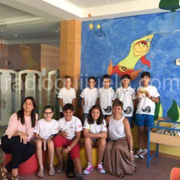 Miembros del club de lectura infantil.