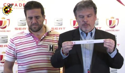 Momento del sorteo de la tercera eliminatoria de la Copa del Rey a través de youtube.