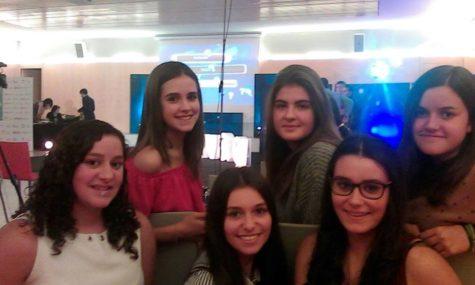 Alumnas del IES que ha participado en el programa Cien&cias. Foto IES Vía de la Plata