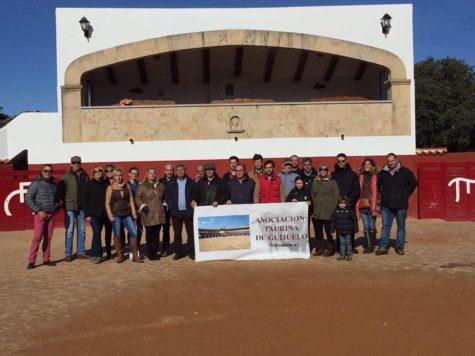 La Asociación Taurina en la Ganadería El Pilar. Foto Asociación Taurina.