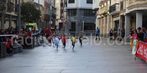 Ninos corriendo en el Jamón Veloz.