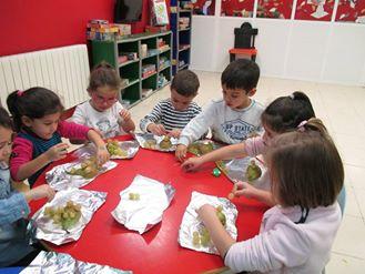 Niños y niñas en la Ludoteca. Foto archivo.