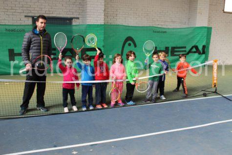 Alumnos de la escuela de tenis.