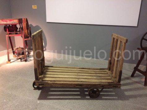 Carro de madera donado al Museo