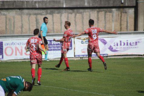 Dimas, Jonxa y Carmona autores de los goles ante el Coruxo