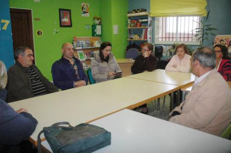 Reunión celebrada en el centro Guijuelo Joven para organizar las fiestas del Barrio San José