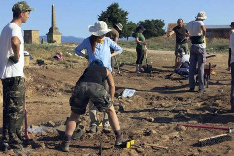 Jóvenes participantes en un campo de trabajo. Foto EFE