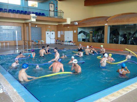 Participantes en el curso de natación