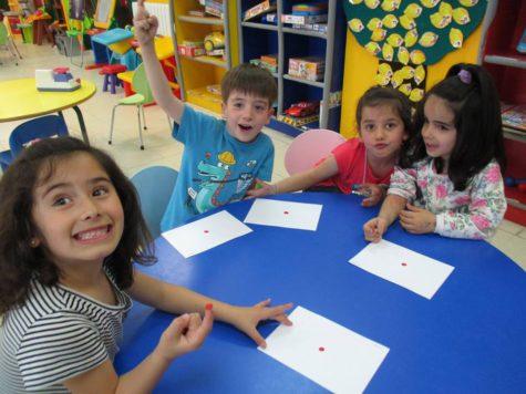 Niños y niñas en la Ludoteca